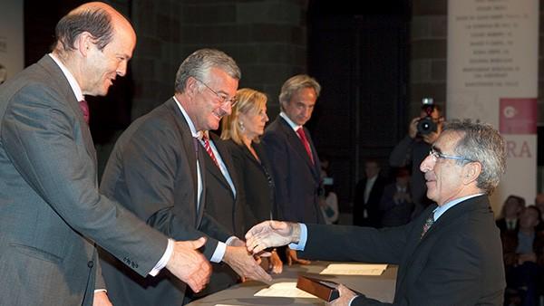 Schaeffler Iberia, S.L.U. cumple 50 años de actividad en la península ibérica. Como reconocimiento, recibe una placa conmemorativa de la Cámara de Comercio de Barcelona.