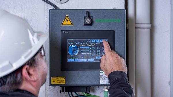 Como sistema plug-and-play preconfigurado, o SmartQB não requer conhecimentos prévios de Condition Monitoring.