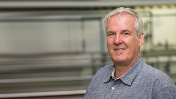 Joachim Dankwardt, diretor adjunto do departamento de abastecimento/tratamento da associação de abastecimento de Perlenbach