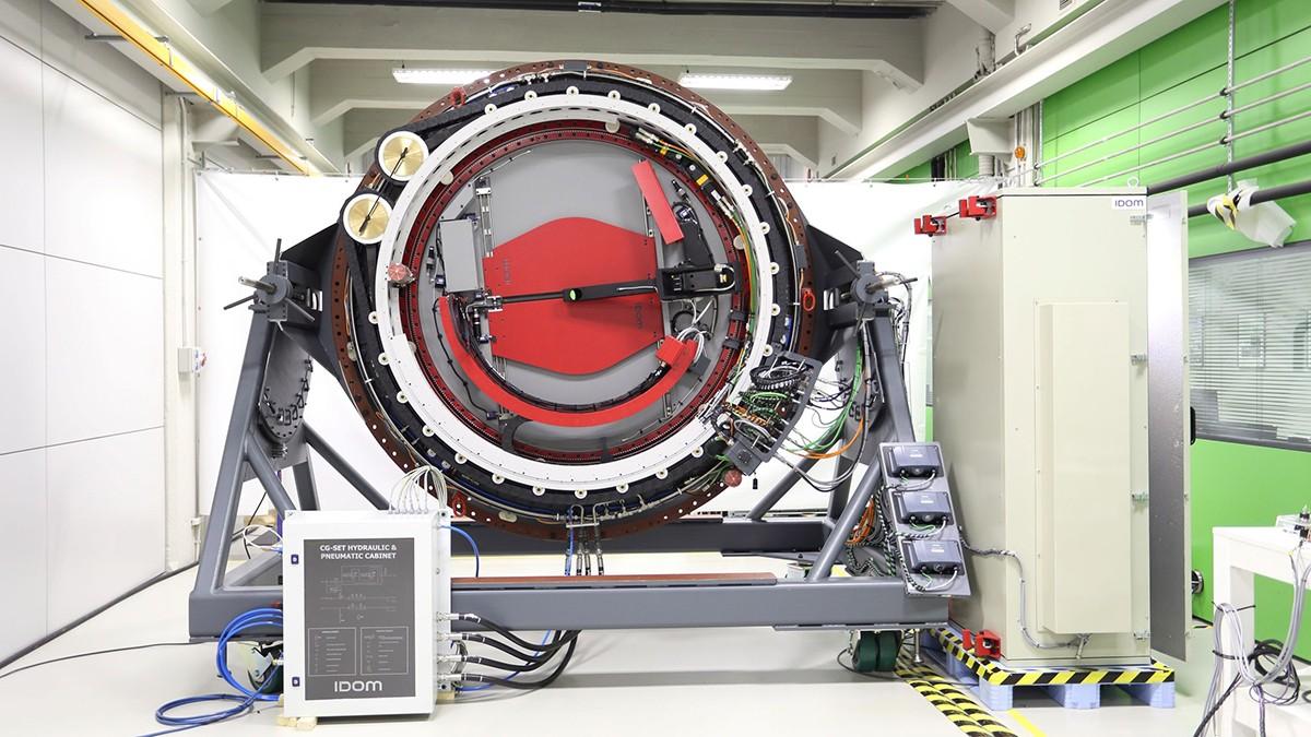El rotador de instrumentos es un importante mecanismo de alta precisión que gira la cámara del telescopio.