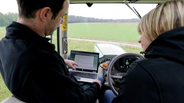 A Schaeffler oferece um serviço completo para a engenharia agrícola.