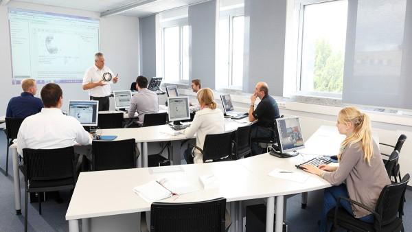 Cursos modulares impartidos por nuestro Schaeffler Technology Center – La formación está basada en el principio de experiencia holística
