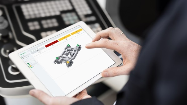 The operator or maintenance technician is connected to the Cloud and can monitor the condition of individual axlebox bearings and even entire axleboxes and bogies.